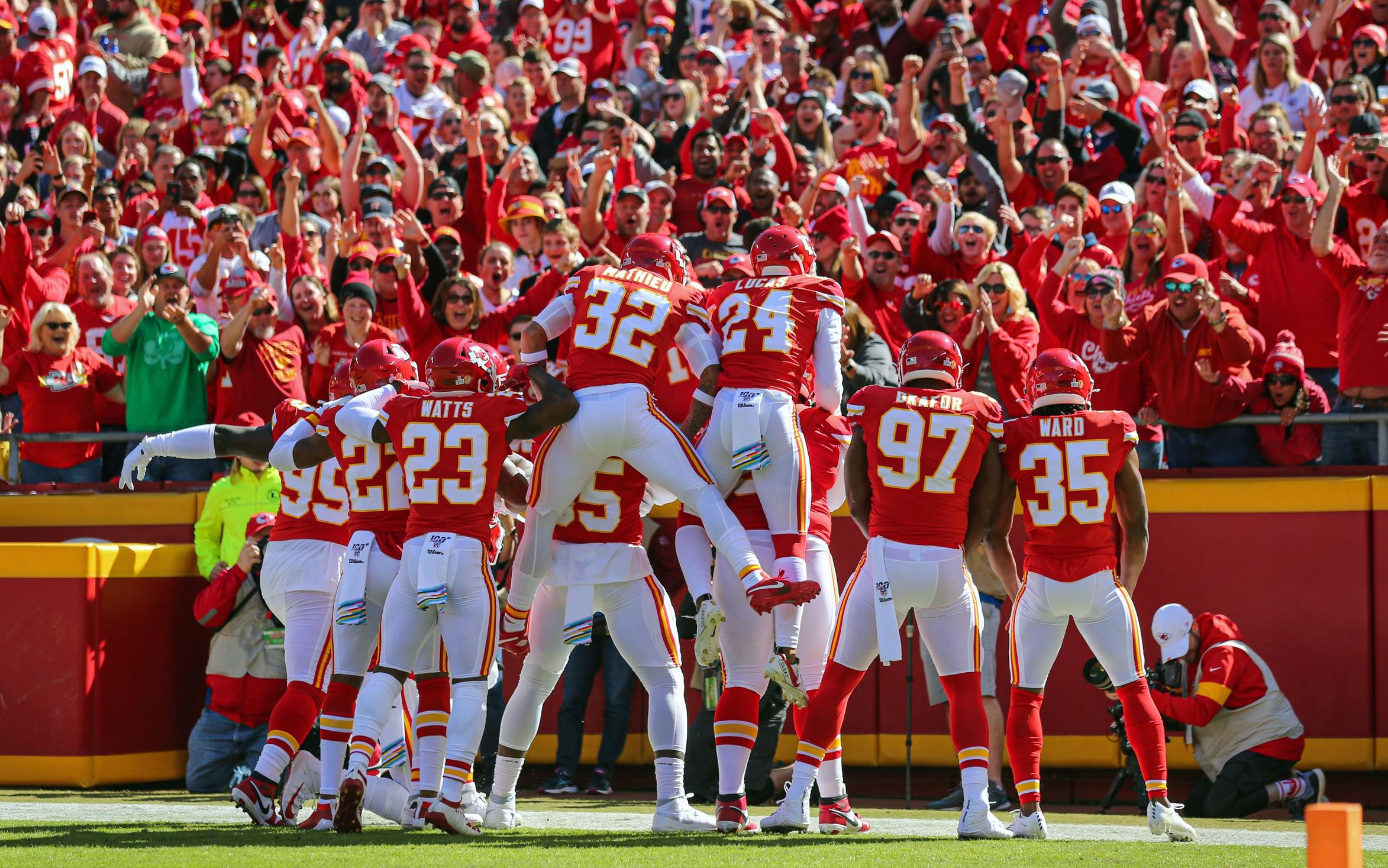 Live Updates: Chiefs Seeking Rebound Hosting Houston Texans