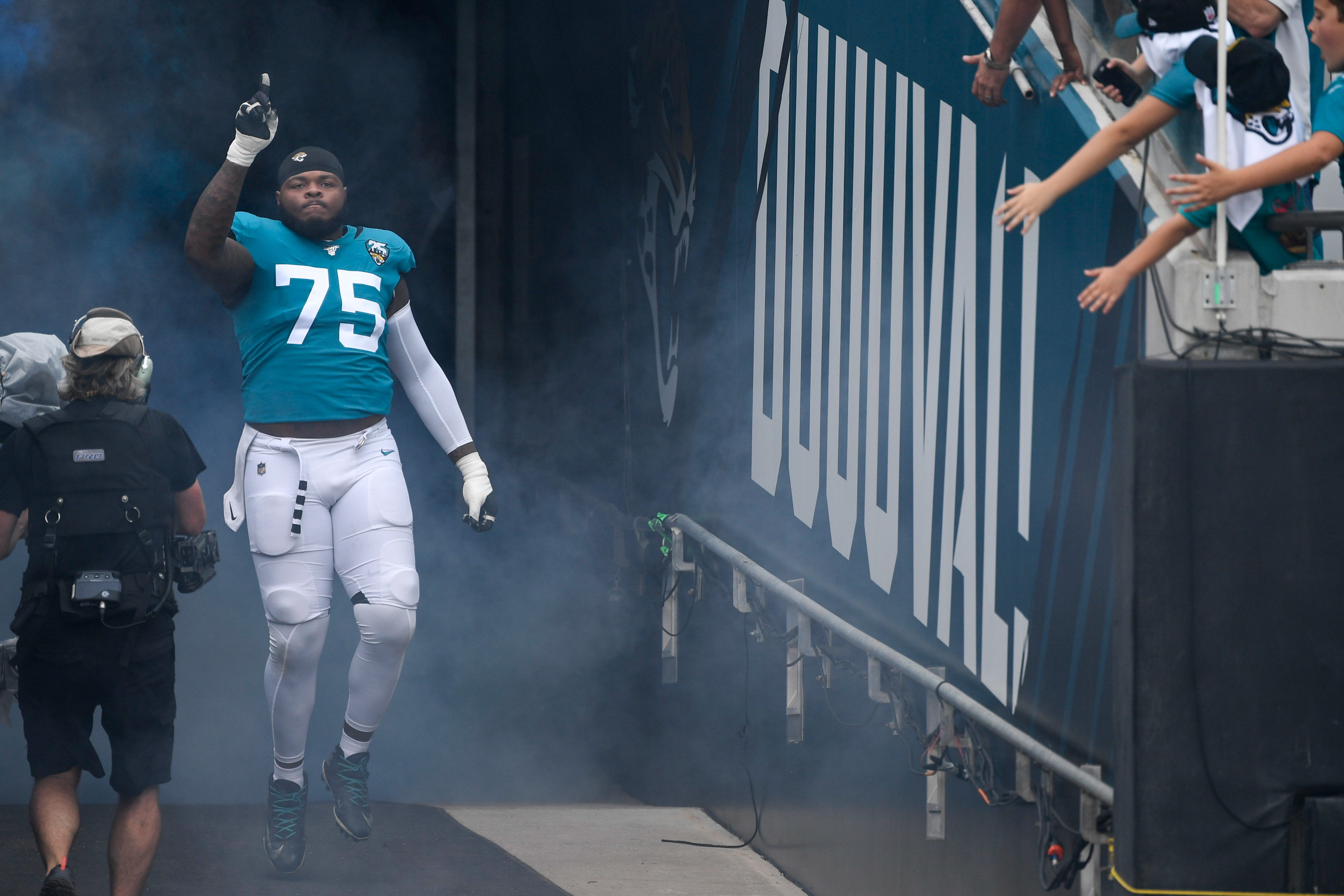 Rookie Jawaan Taylor Settling In As Jaguars' Right Tackle of the Future