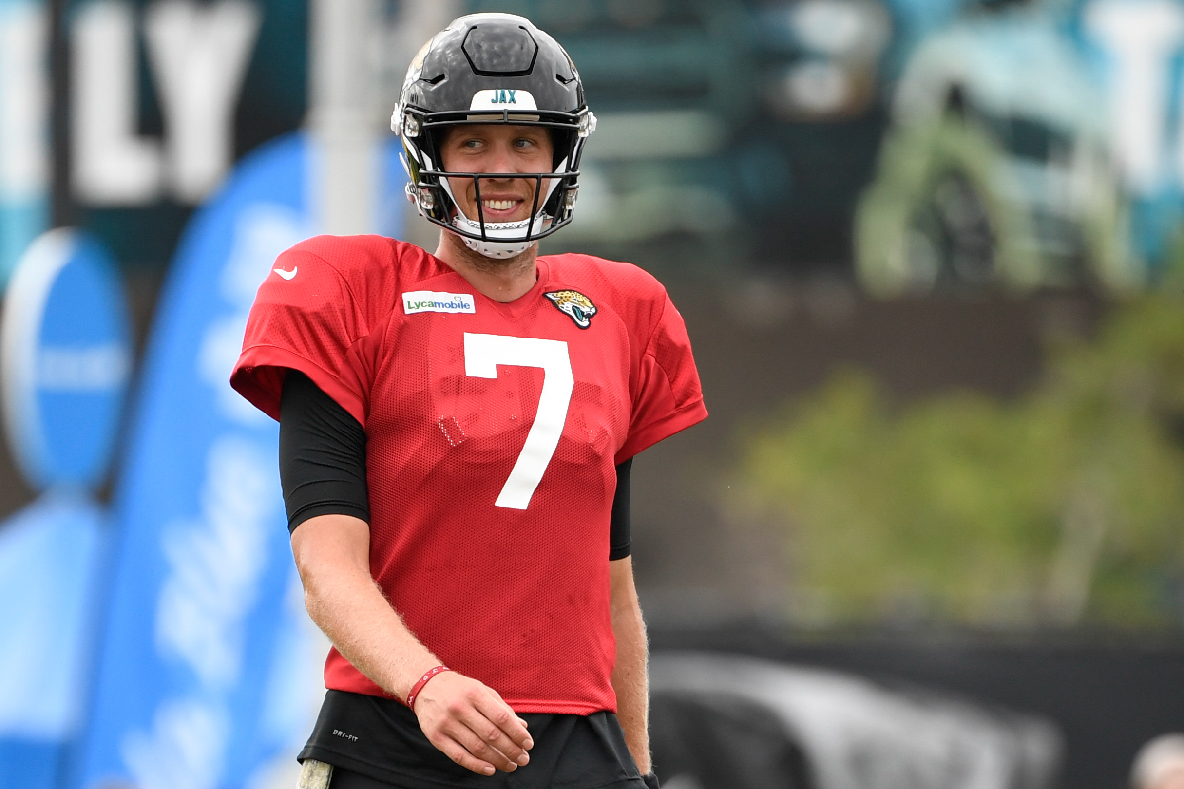 John DeFilippo Prepared for Jacksonville's Offensive Transition to Nick Foles