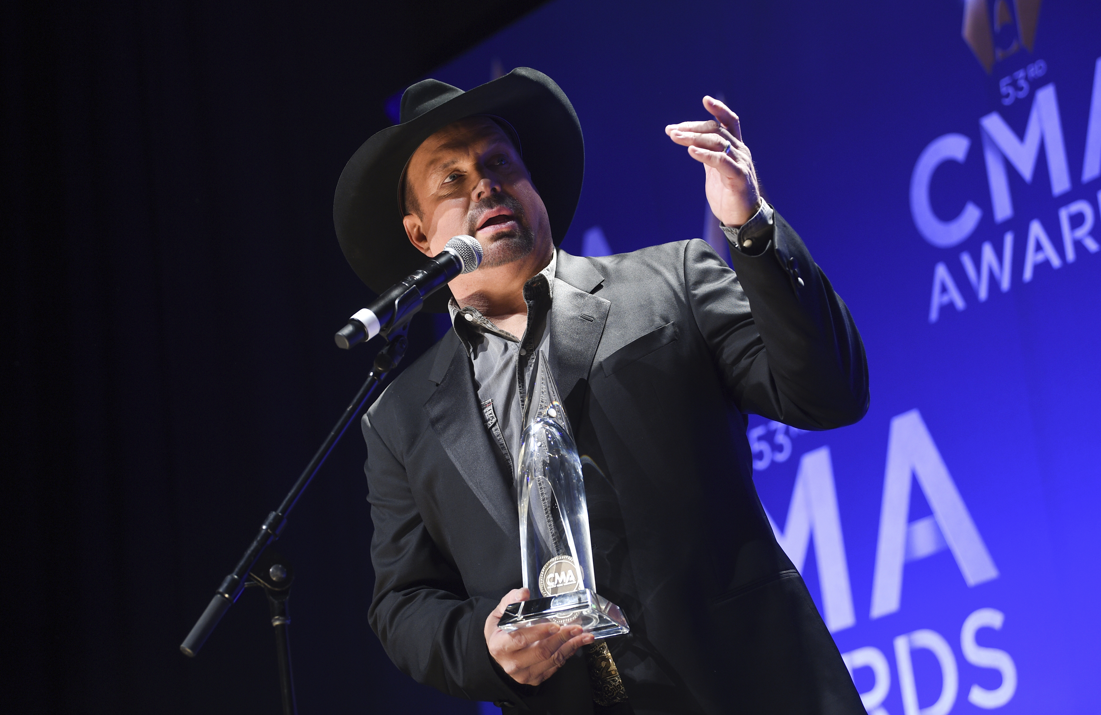 10 things to know today: A win for Garth Brooks - News Maven