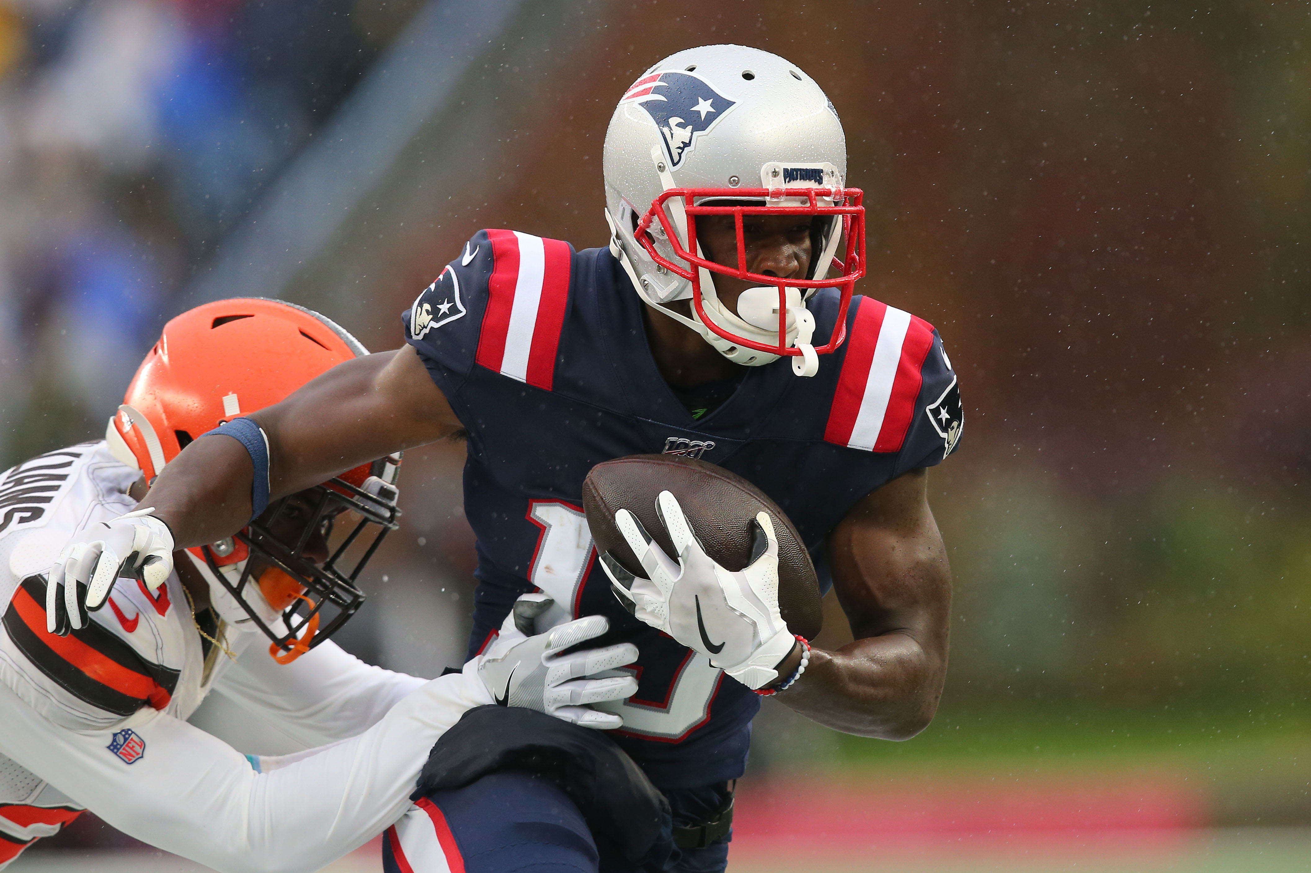 Phillip Dorsett, Mohamed Sanu Did Not Participate in Wednesday's Patriots Practice
