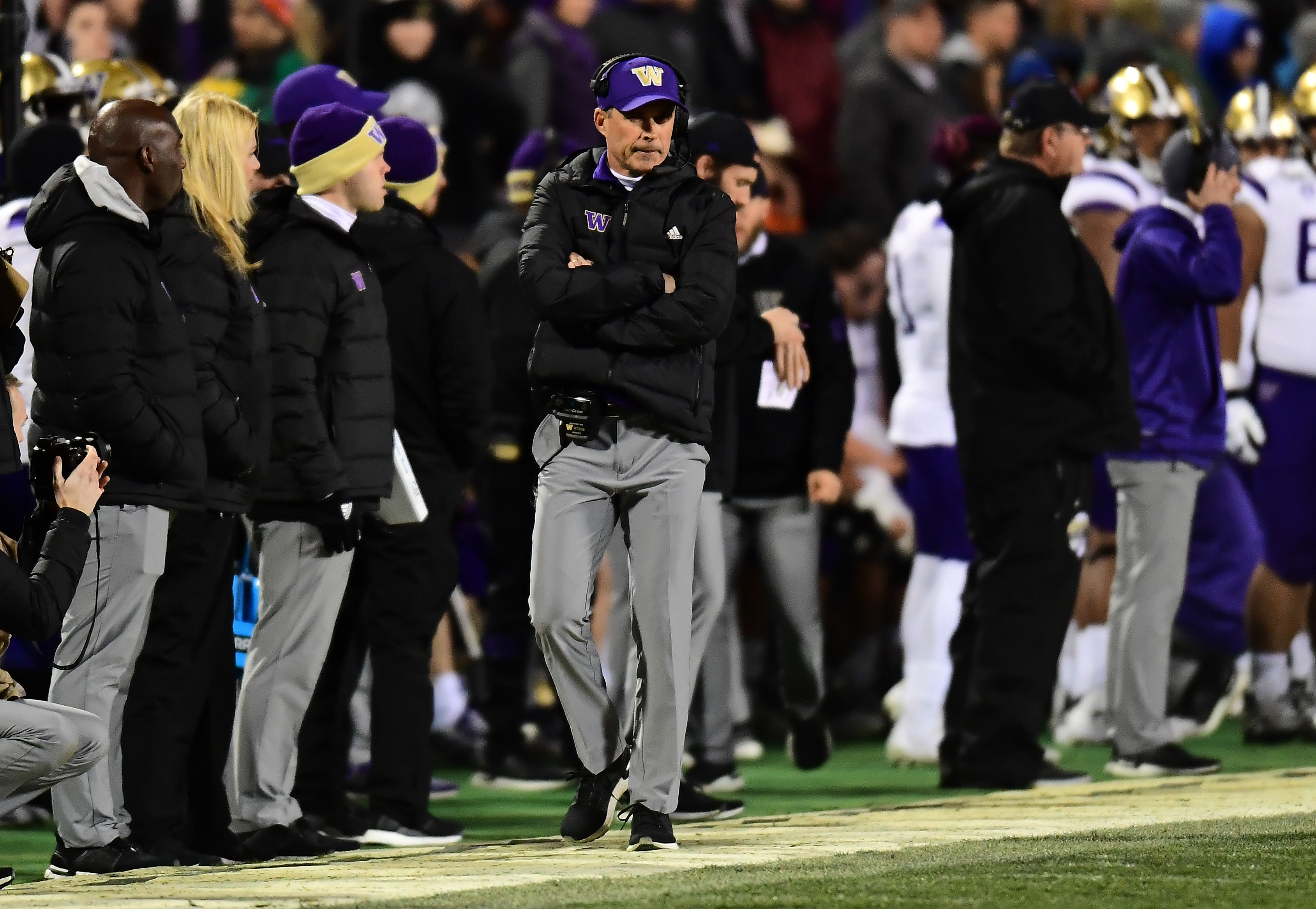 Petersen Quits as UW Coach; Lake Named as Replacement