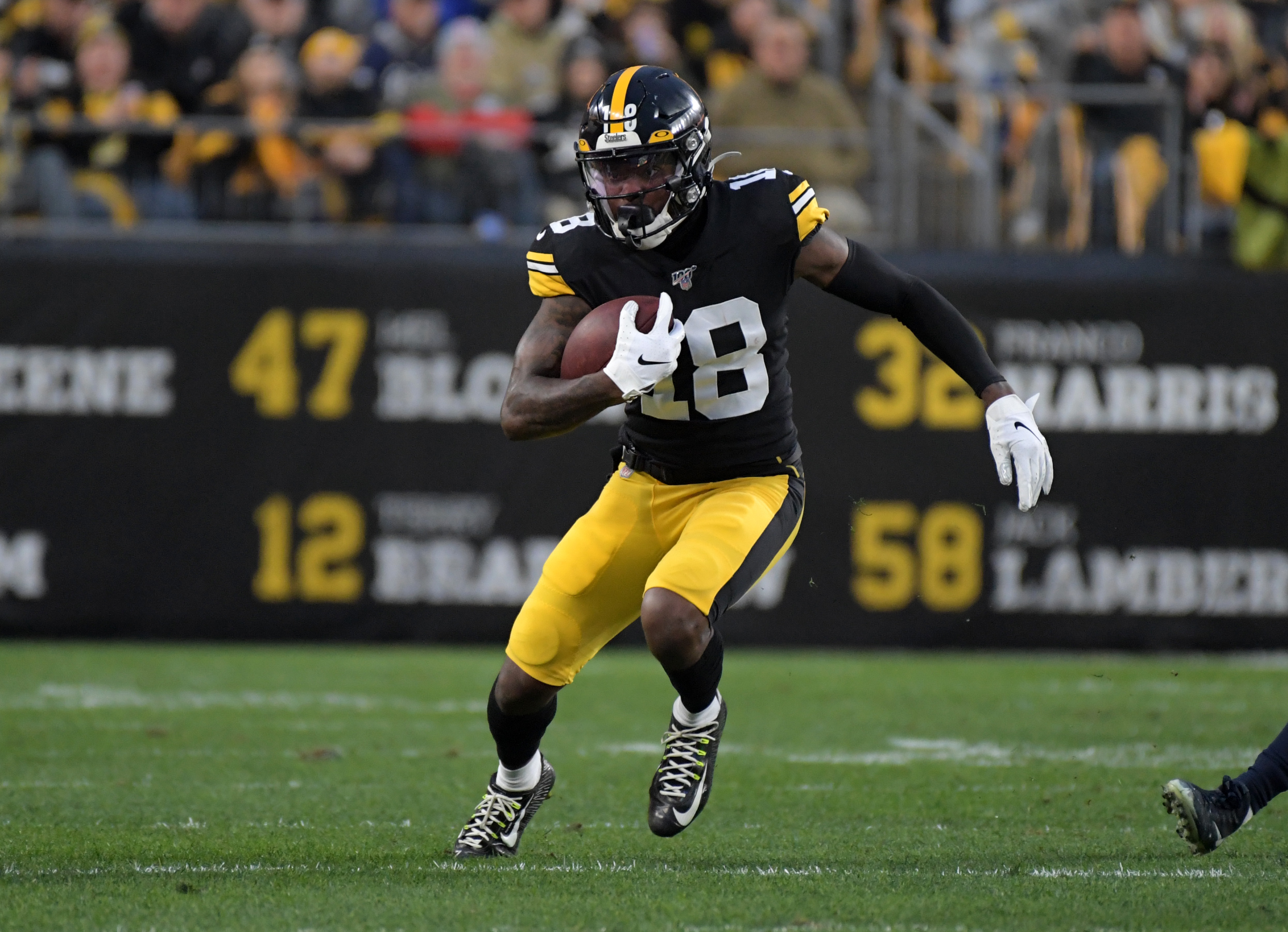 """Mike Tomlin on Diontae Johnson's Struggles: """"He'll Have Gas Left in The Tank For December"""""""