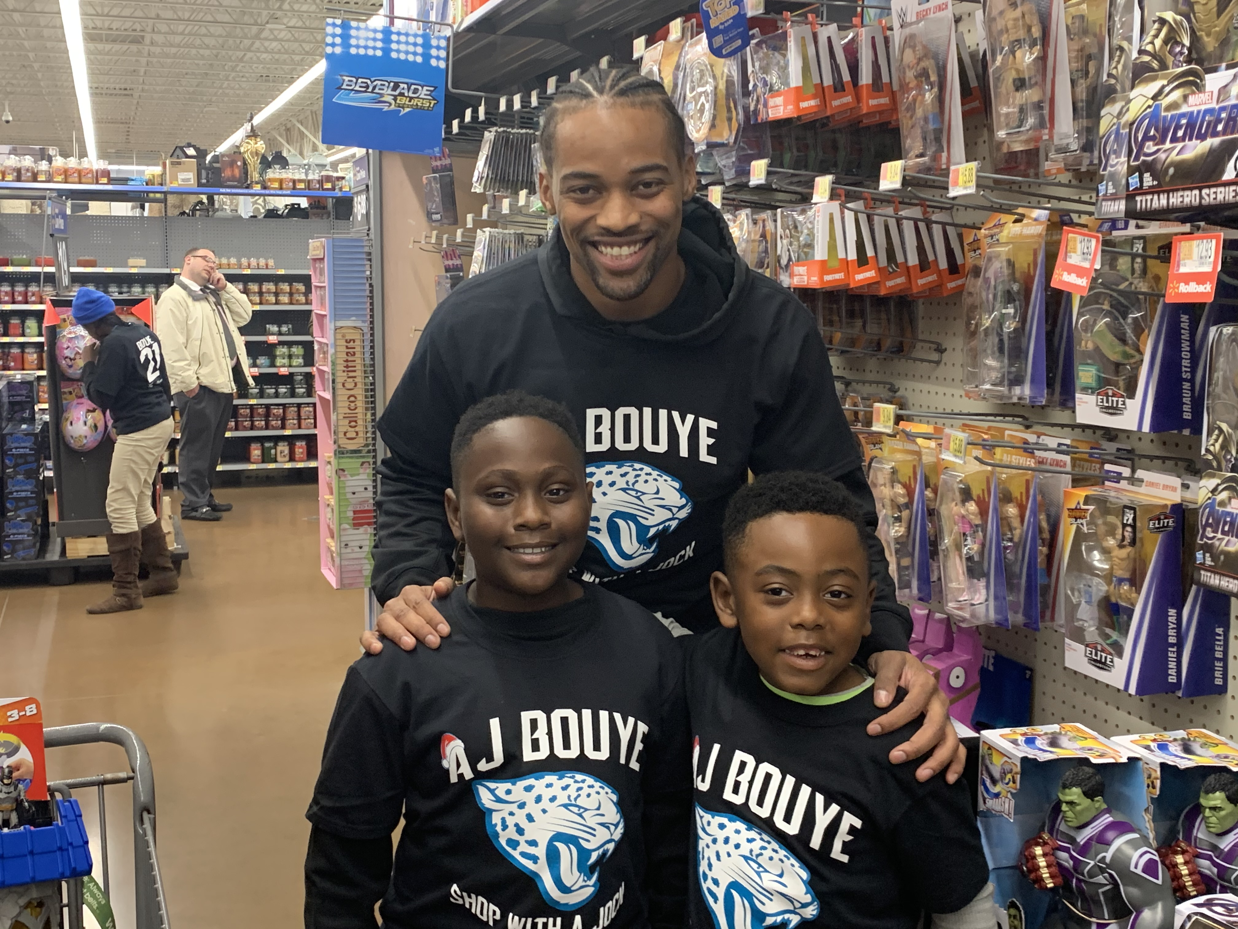 A.J. Bouye and Jaguars Teammates Take Boys & Girls Club Children Holiday Shopping