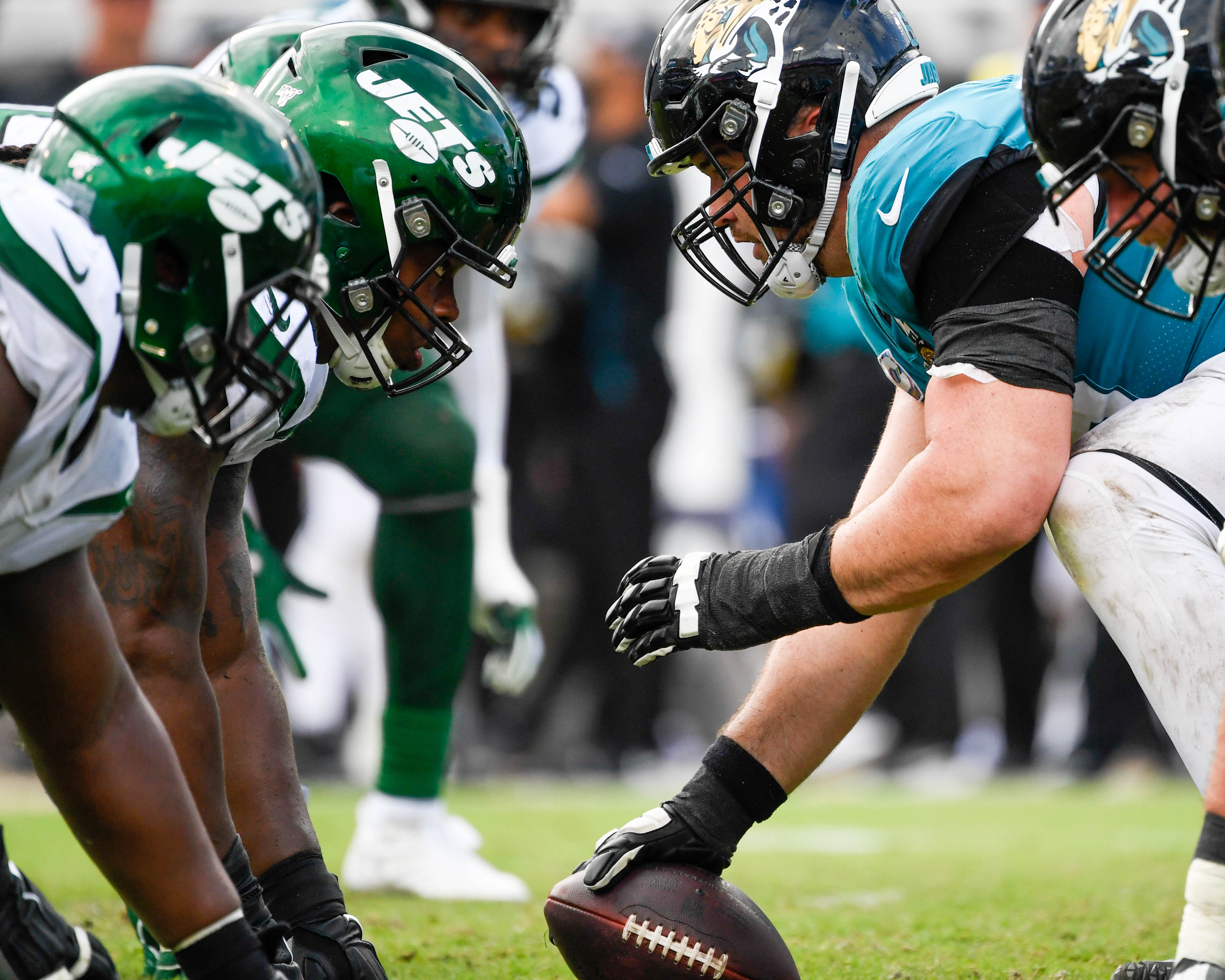 Inconsistent Jaguars Offensive Line Needs to 'Control the Line of Scrimmage' Over Final Weeks