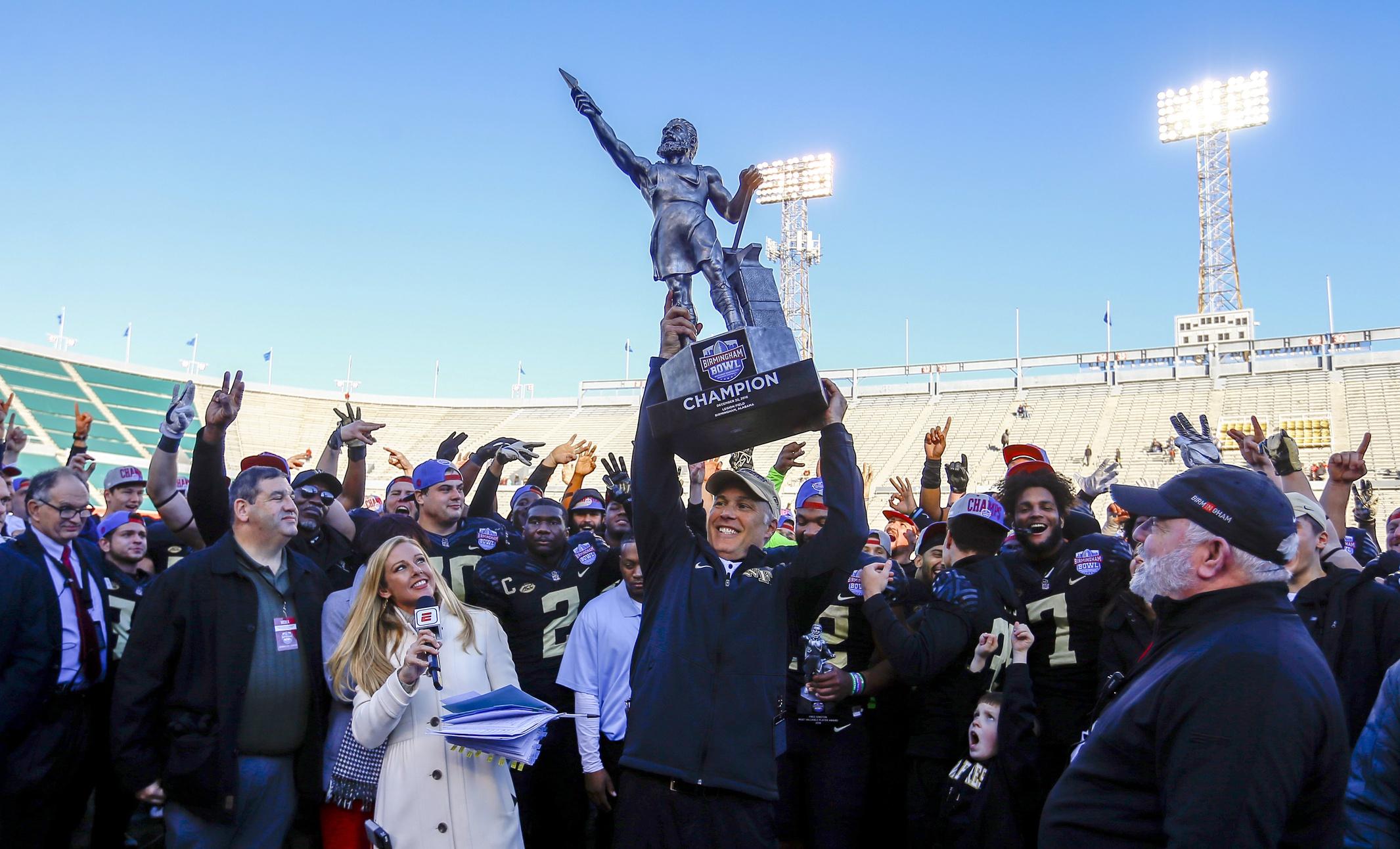 Boston College To Play Cincinnati In Birmingham Bowl