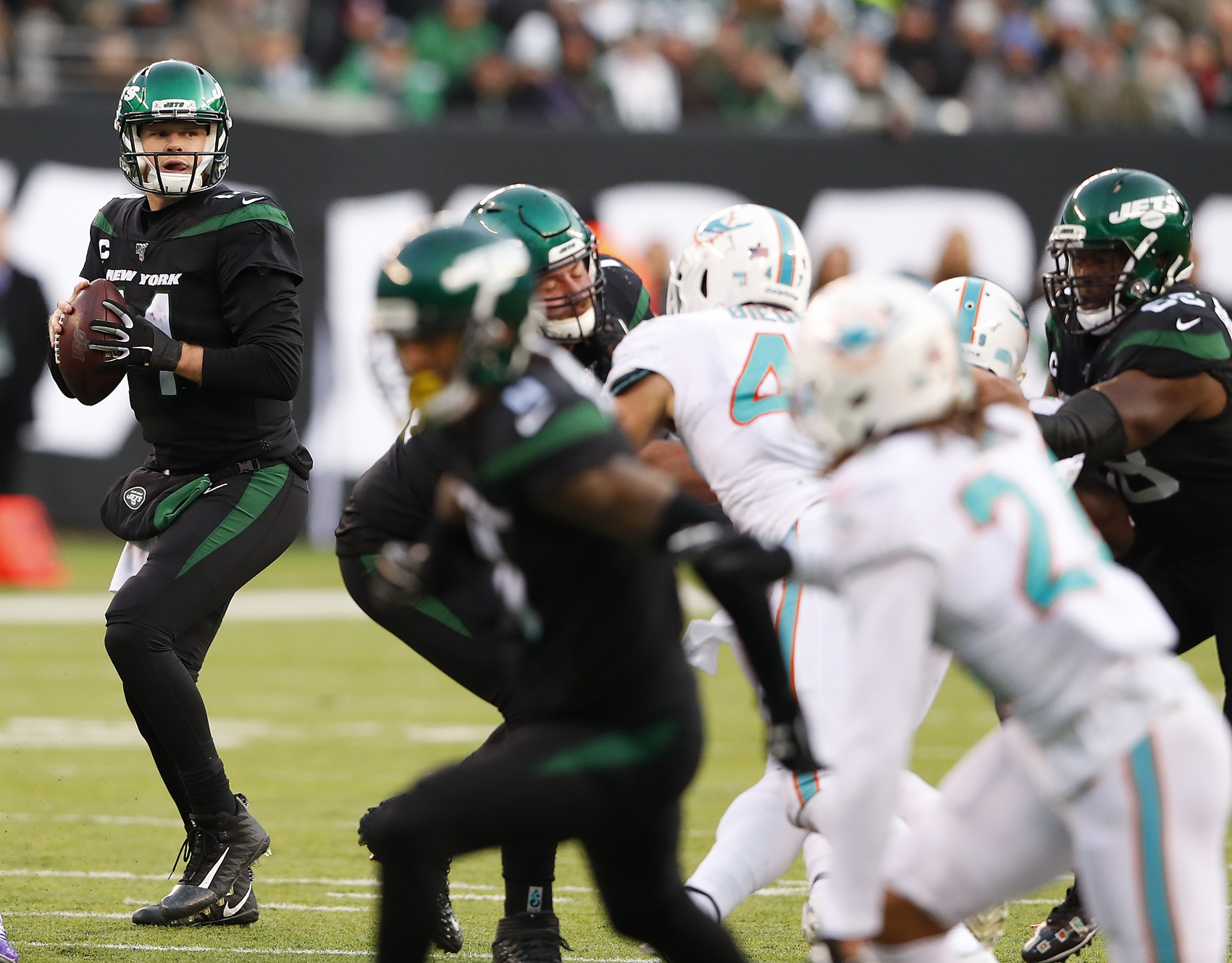 Two Clutch Plays from Vyncint Smith Spark Jets Comeback Win Over the Dolphins