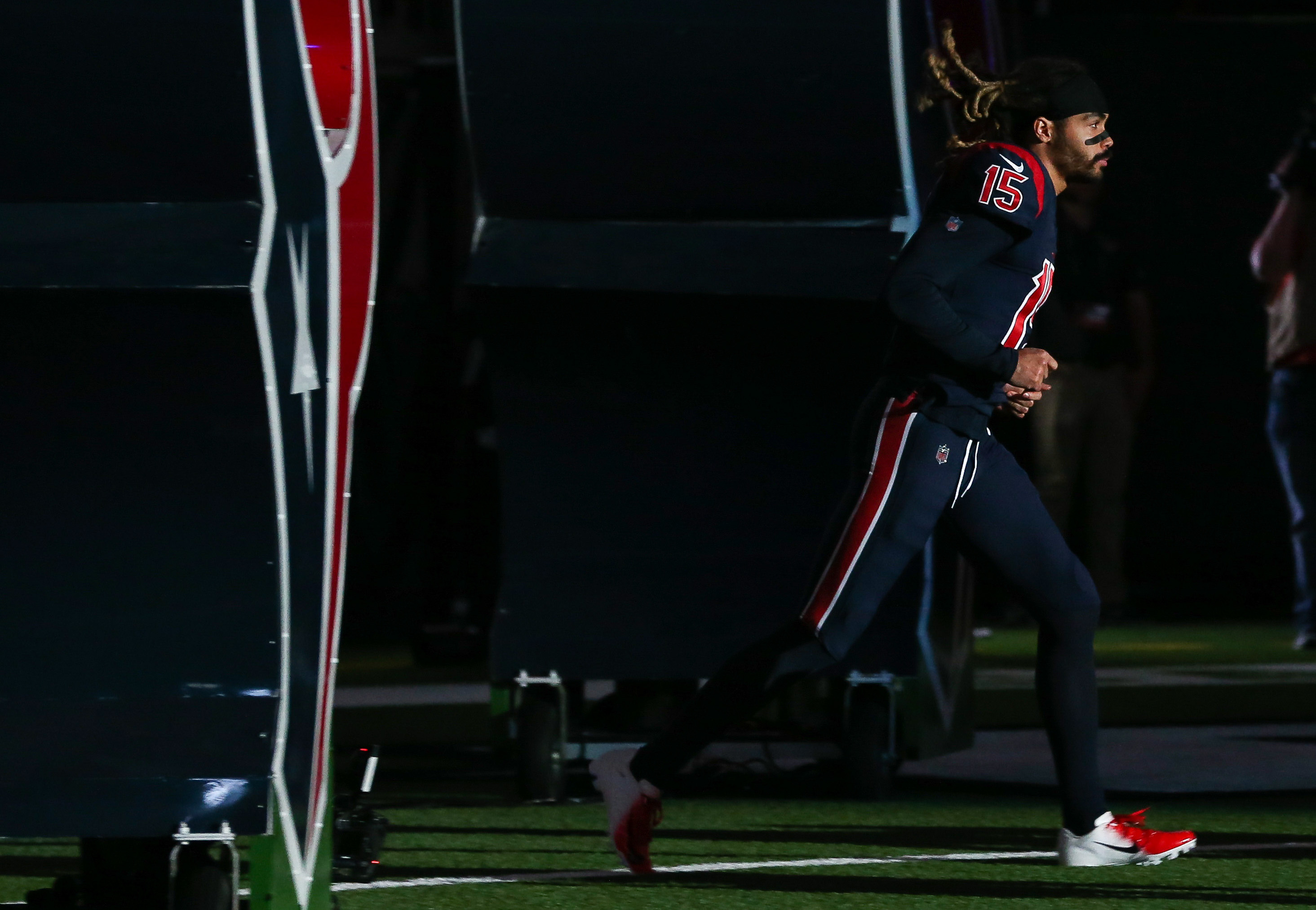 Texans' Cautiously Optimistic About Will Fuller's Availability Against the Titans