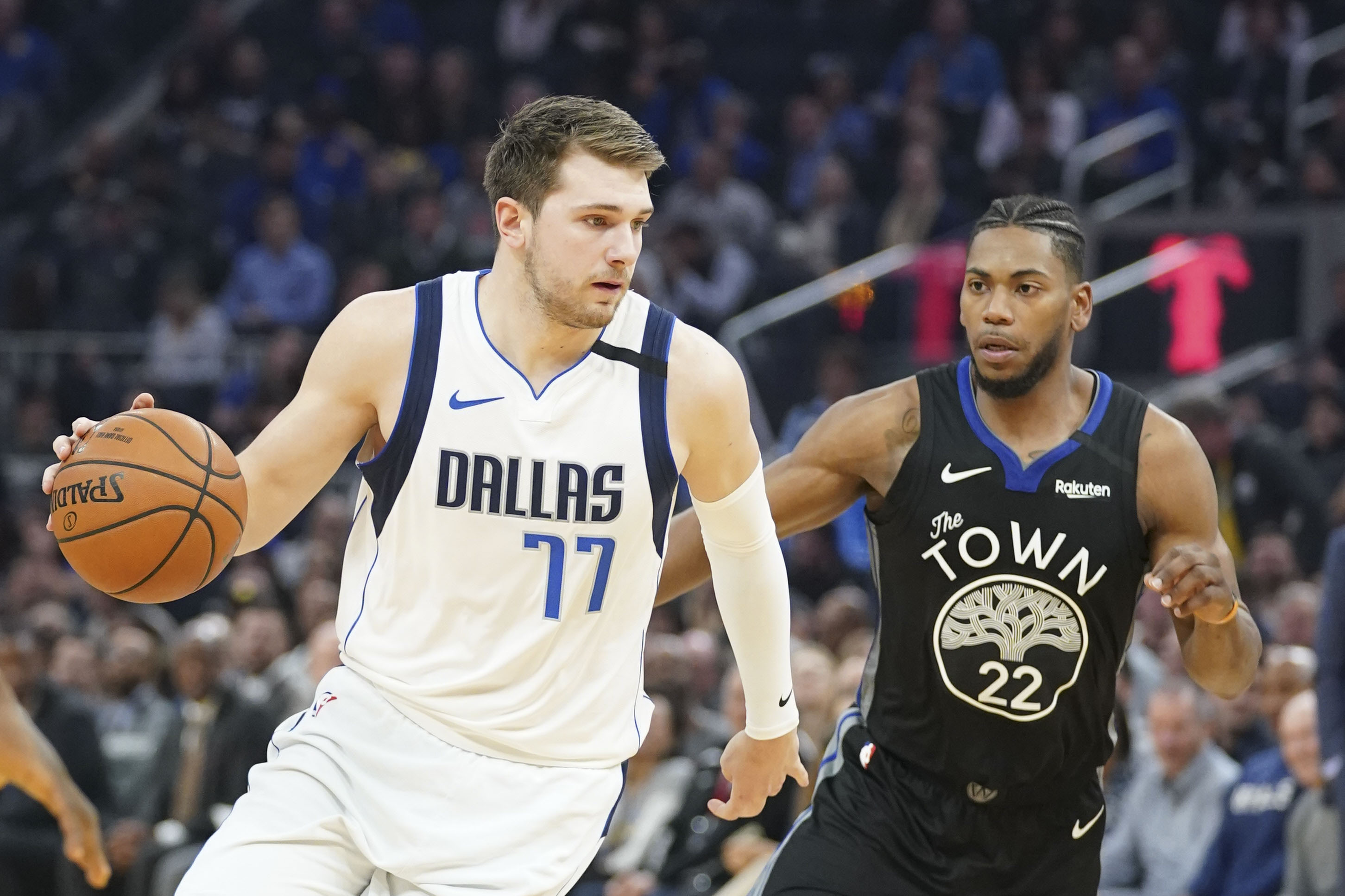 Mavs Start Road Trip With Easy Win Over Warriors