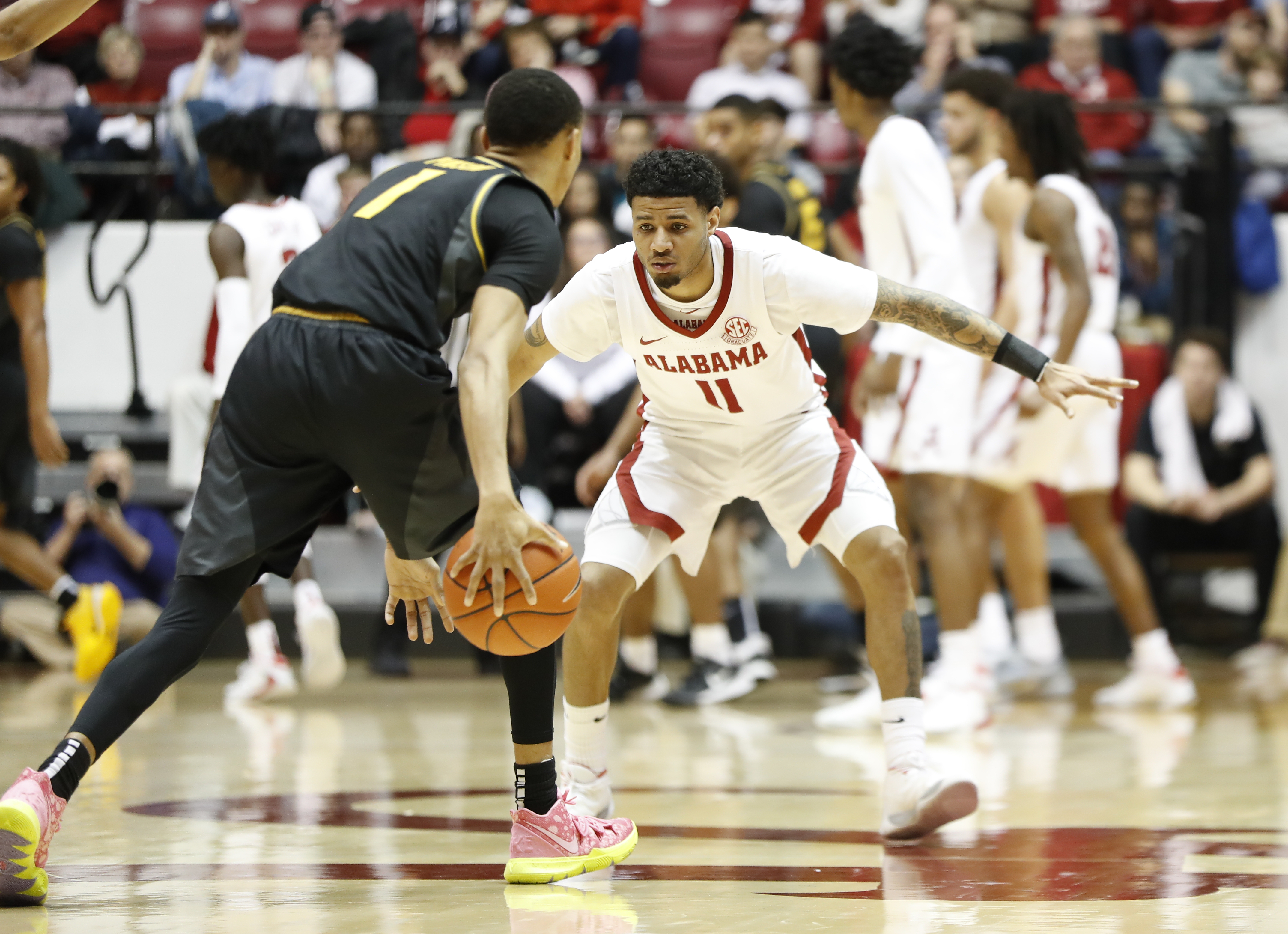 Alabama Basketball Overcomes Perfect Day At the Free-Throw Line From Missouri