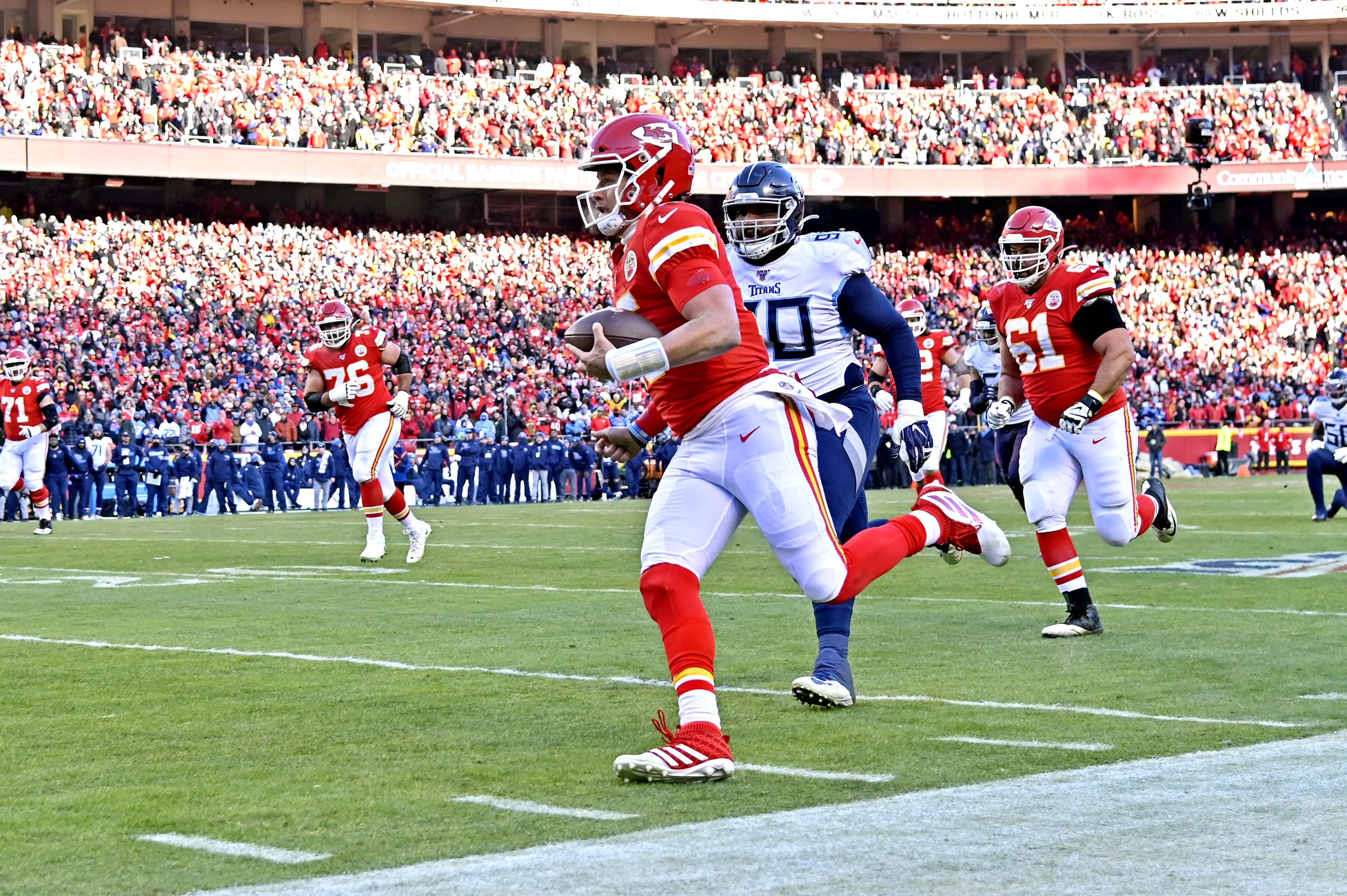 """The Run"" Shows Chiefs' Patrick Mahomes Has Green Light to Scramble"
