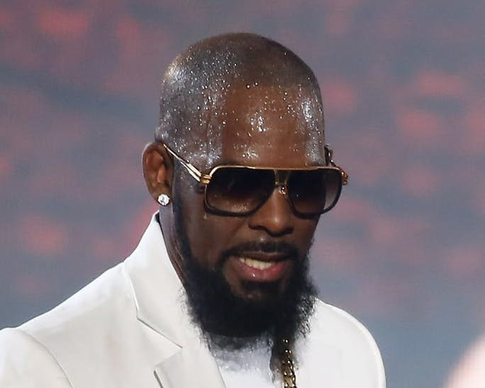 """EXCLUSIVE: Read A Letter R. Kelly """"Allegedly"""" Sent To One Of His Victims"""