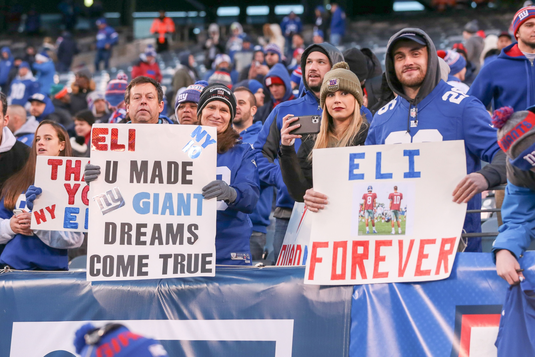 Social Media Reacts to Eli Manning's Retirement Announcement