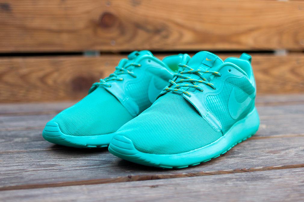 WMNS Nike Roshe Run HYP \