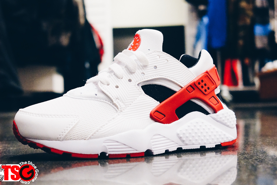 best sneakers 7a1dd eb8fb Now Available: Nike Air Huarache GS White/Gym Red-Bright ...
