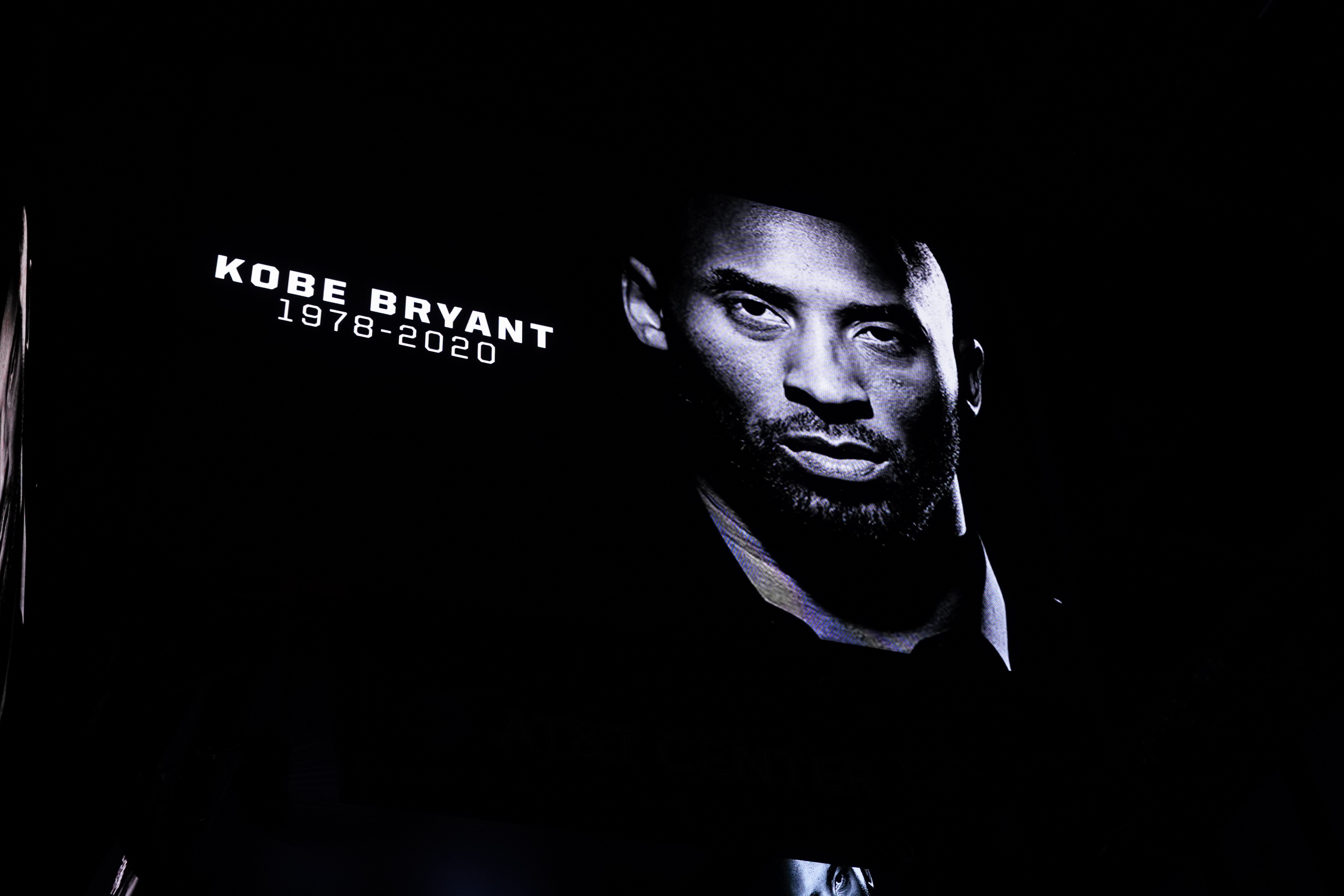Seahawks Mourn Passing of NBA Legend Kobe Bryant
