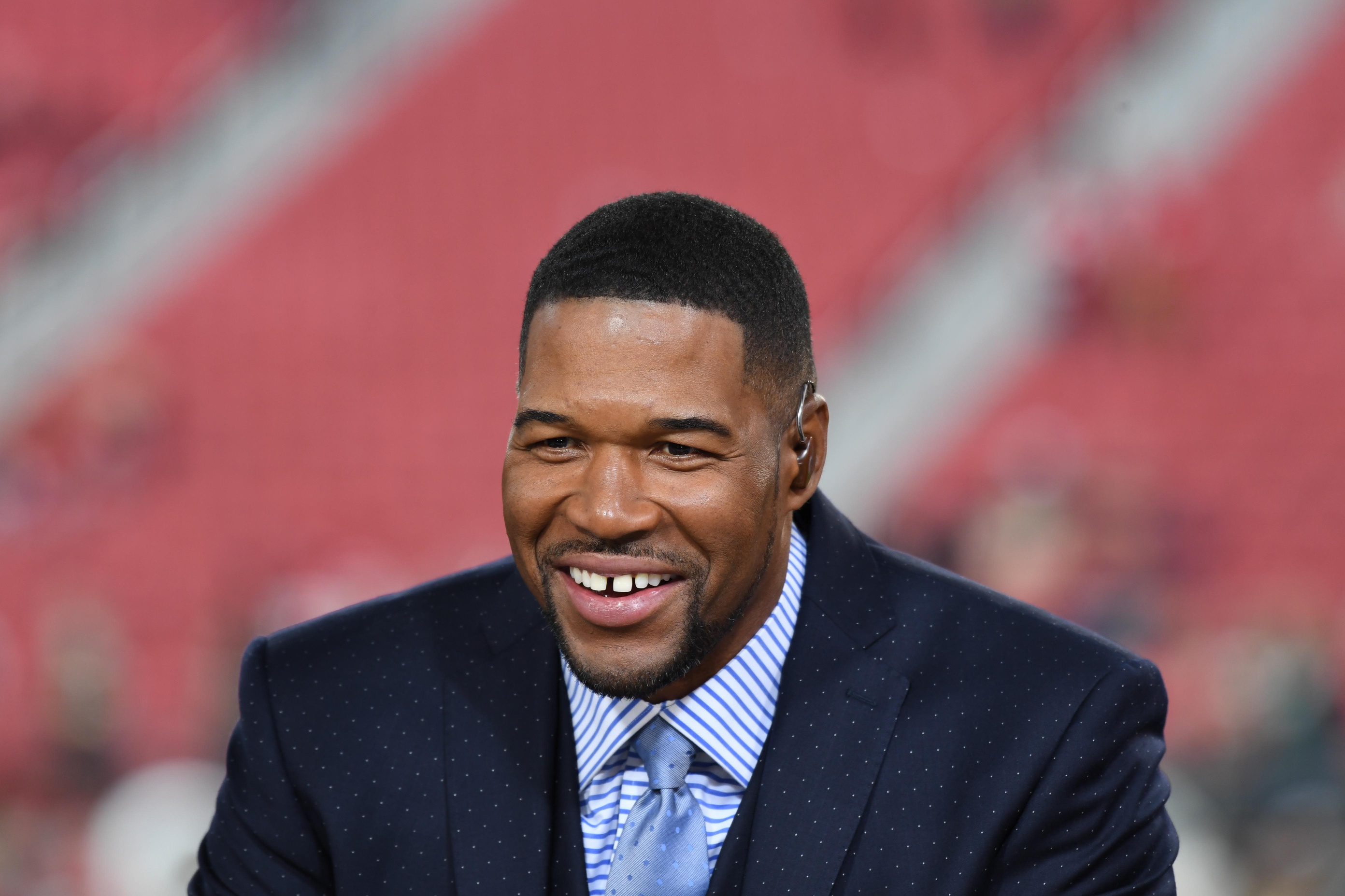Michael Strahan's No. 92 to Be Retired