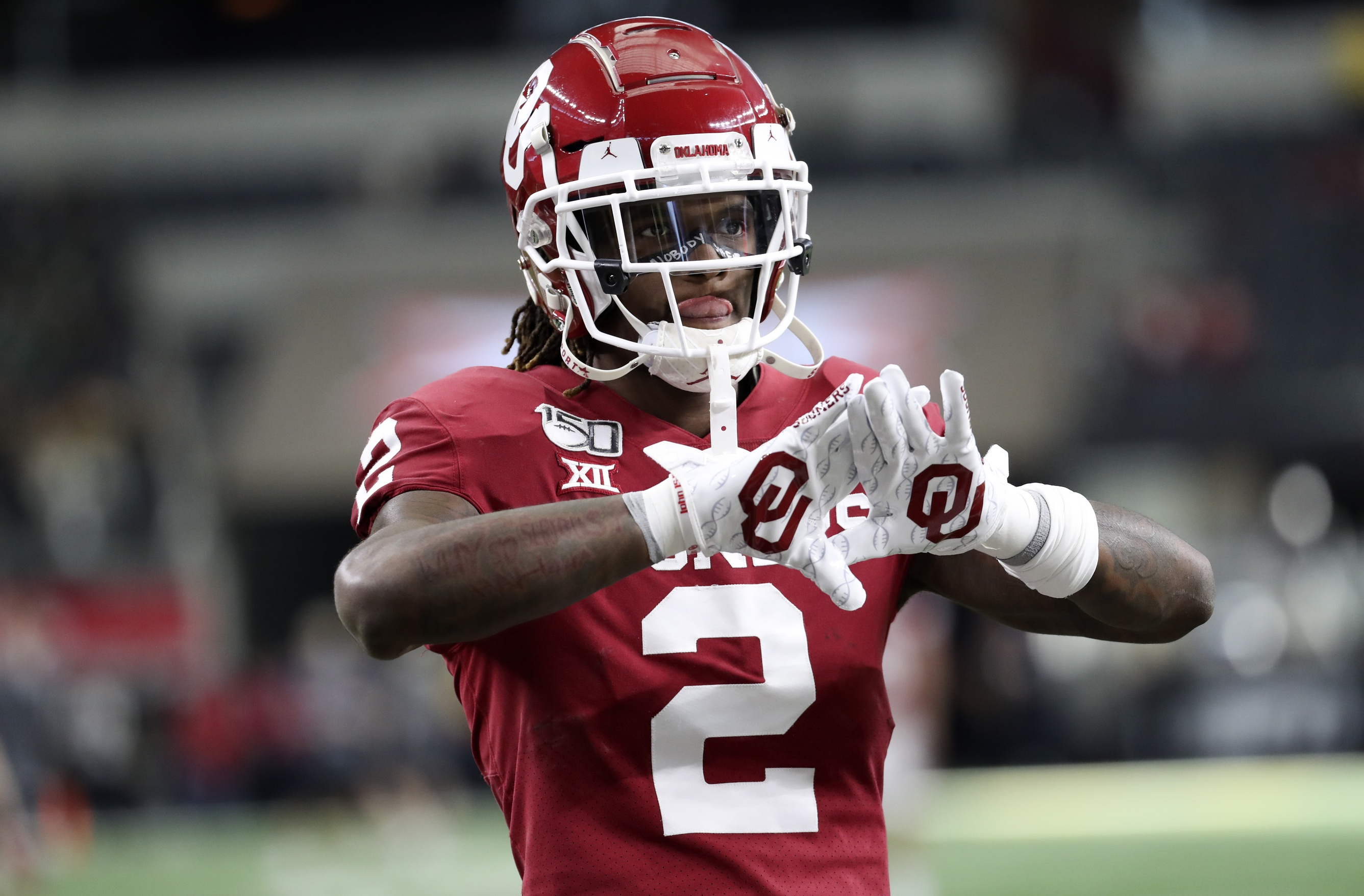 Oklahoma WR CeeDee Lamb Picked by Broncos in SIs Latest Mock