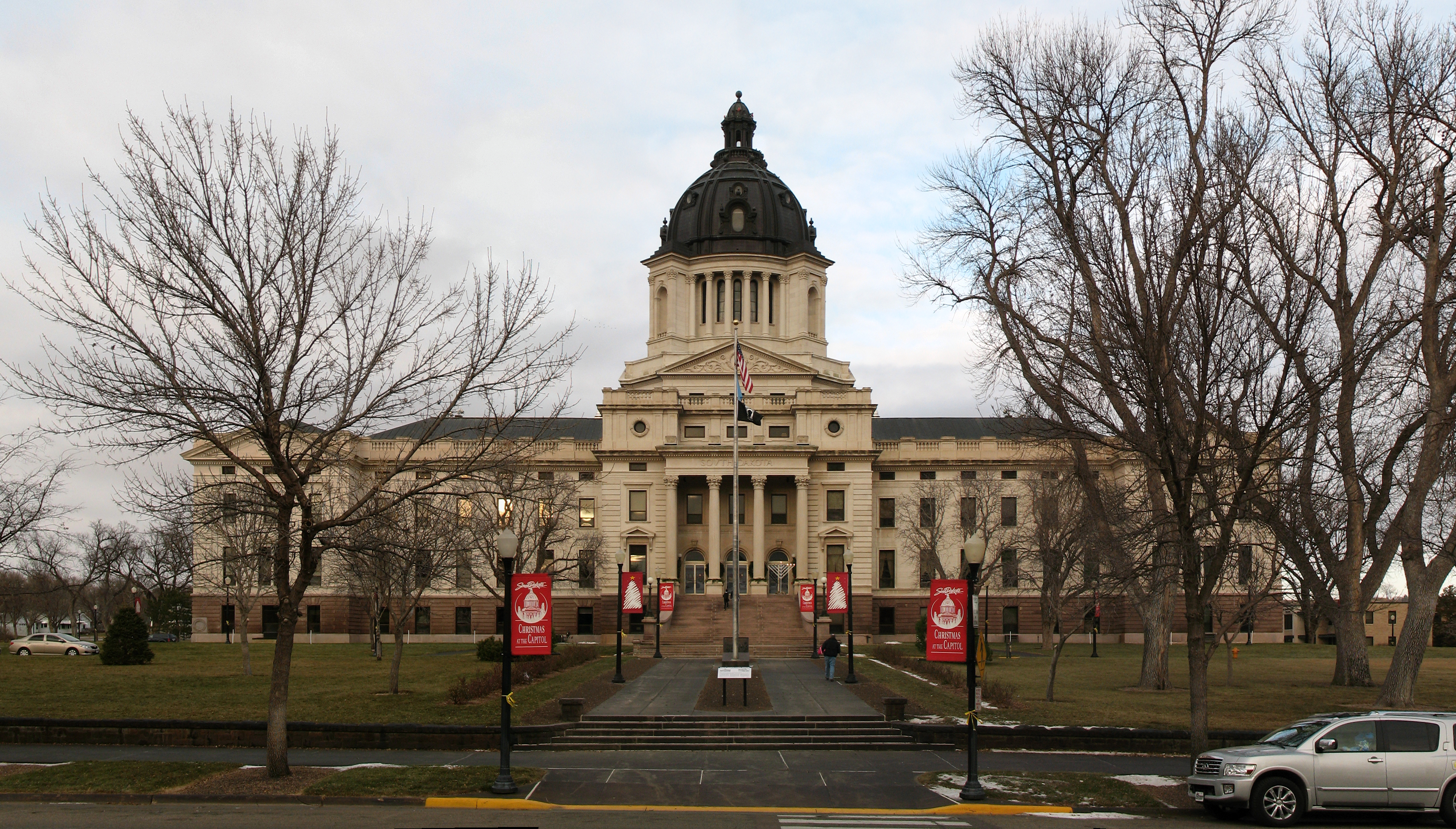 South Dakota unanimously passes plan for Oceti Sakowin schools