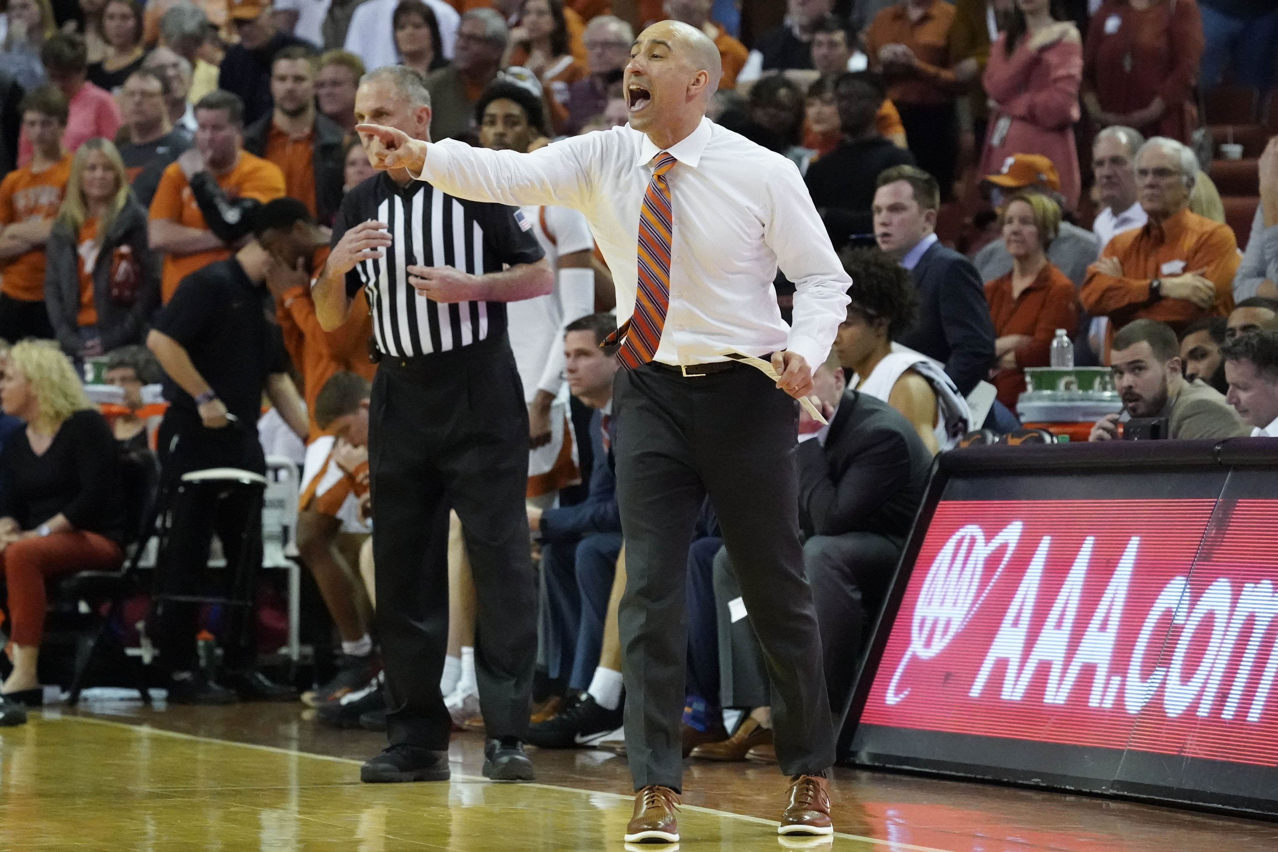 Texas Basketball: Longhorns Face Plant in Ames