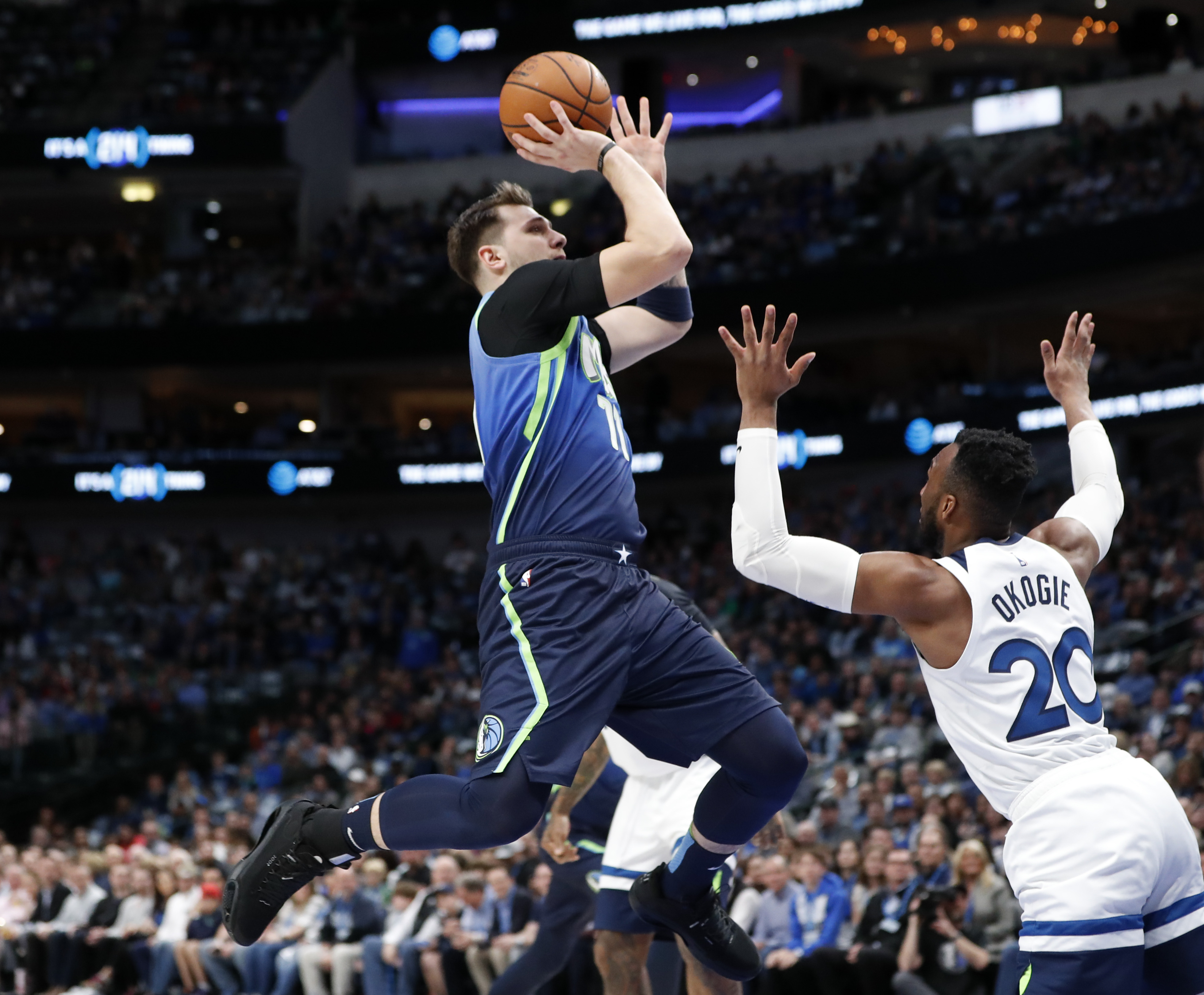 Mavs Finally Show Up at Home, Blow Out Timberwolves 139-123
