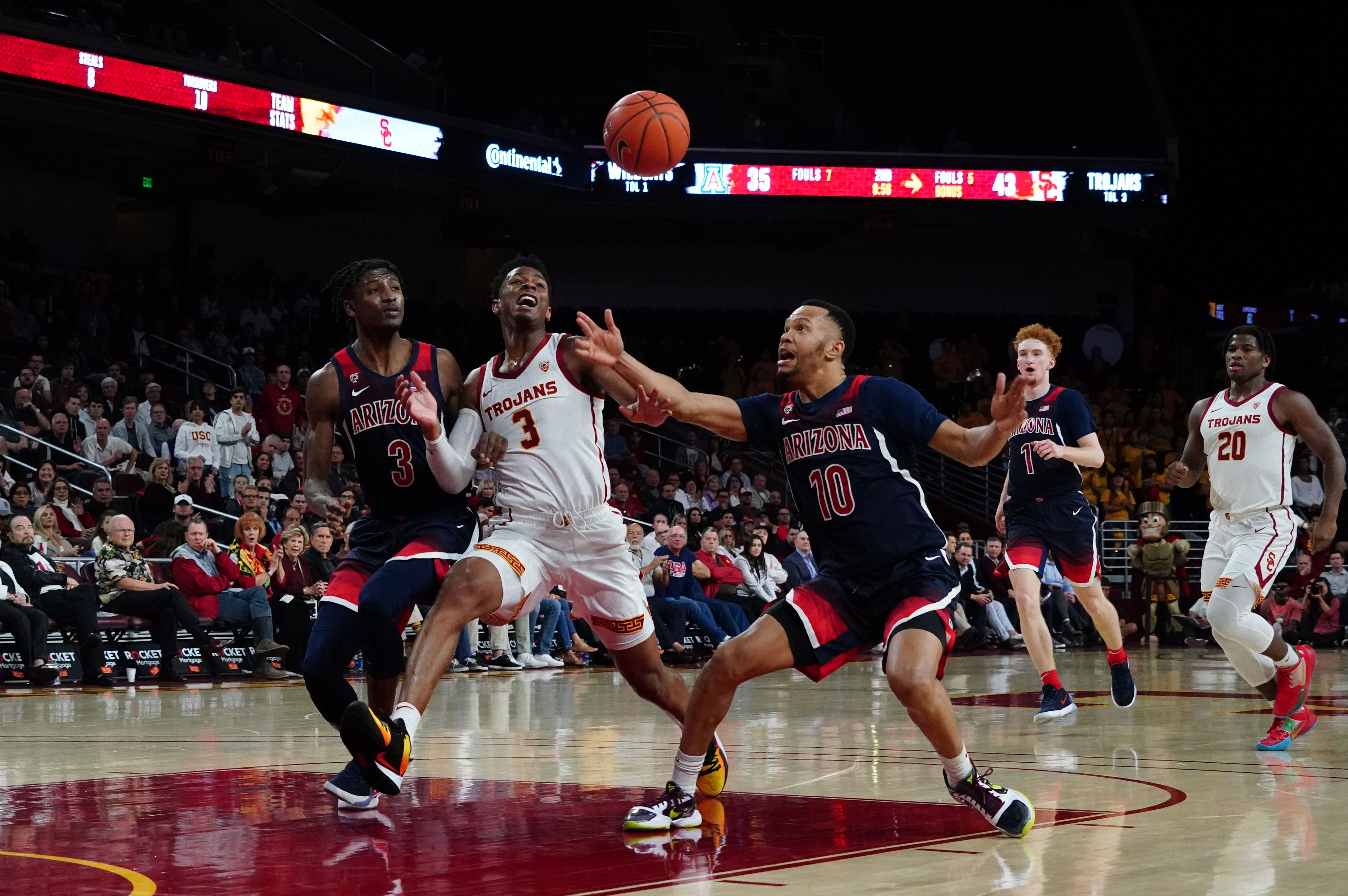 What message was Sean Miller sending in playing zone defense against USC?