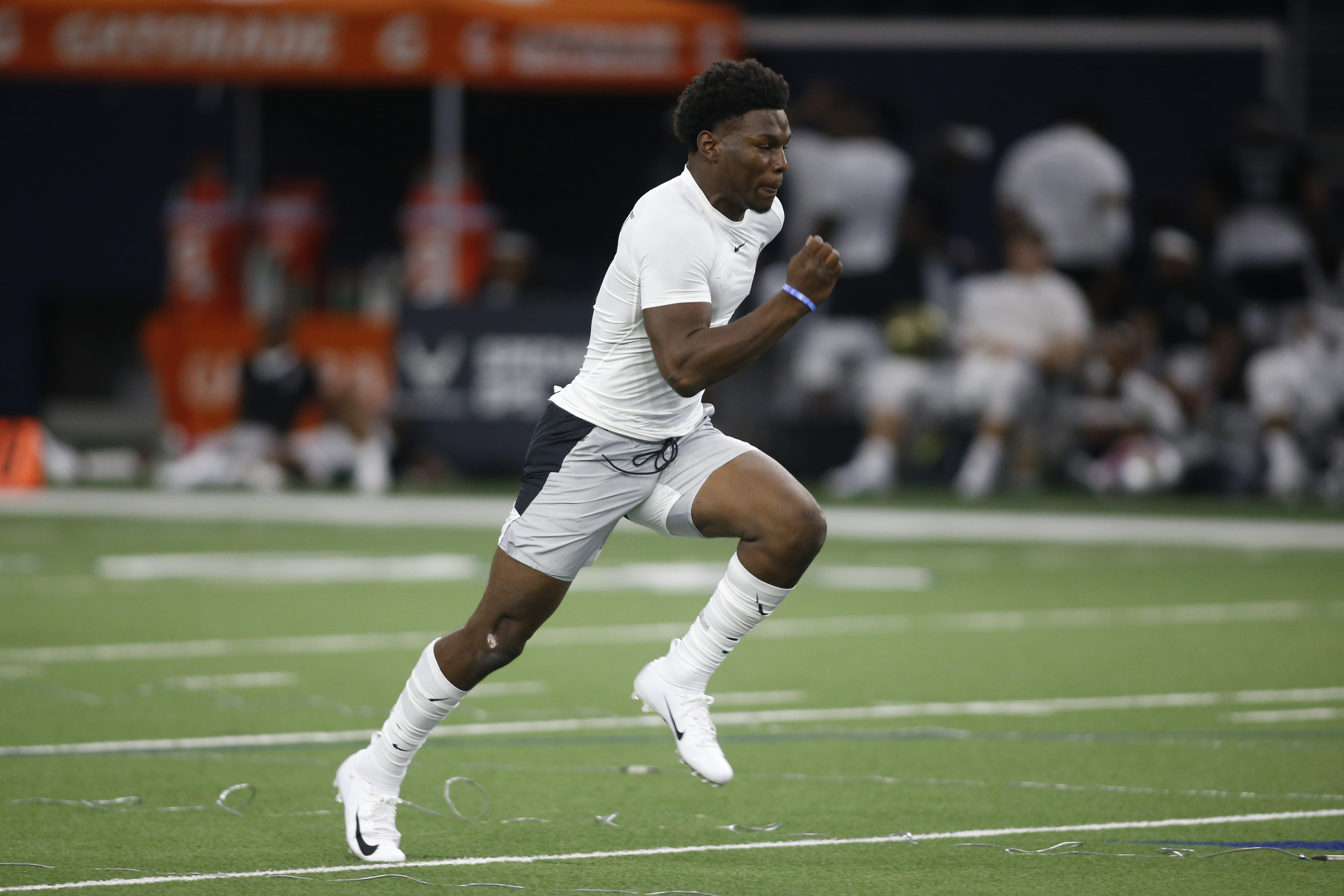 LSU Football Freshman Tight End Arik Gilbert Will Make an Impact With Tigers From the Very Start