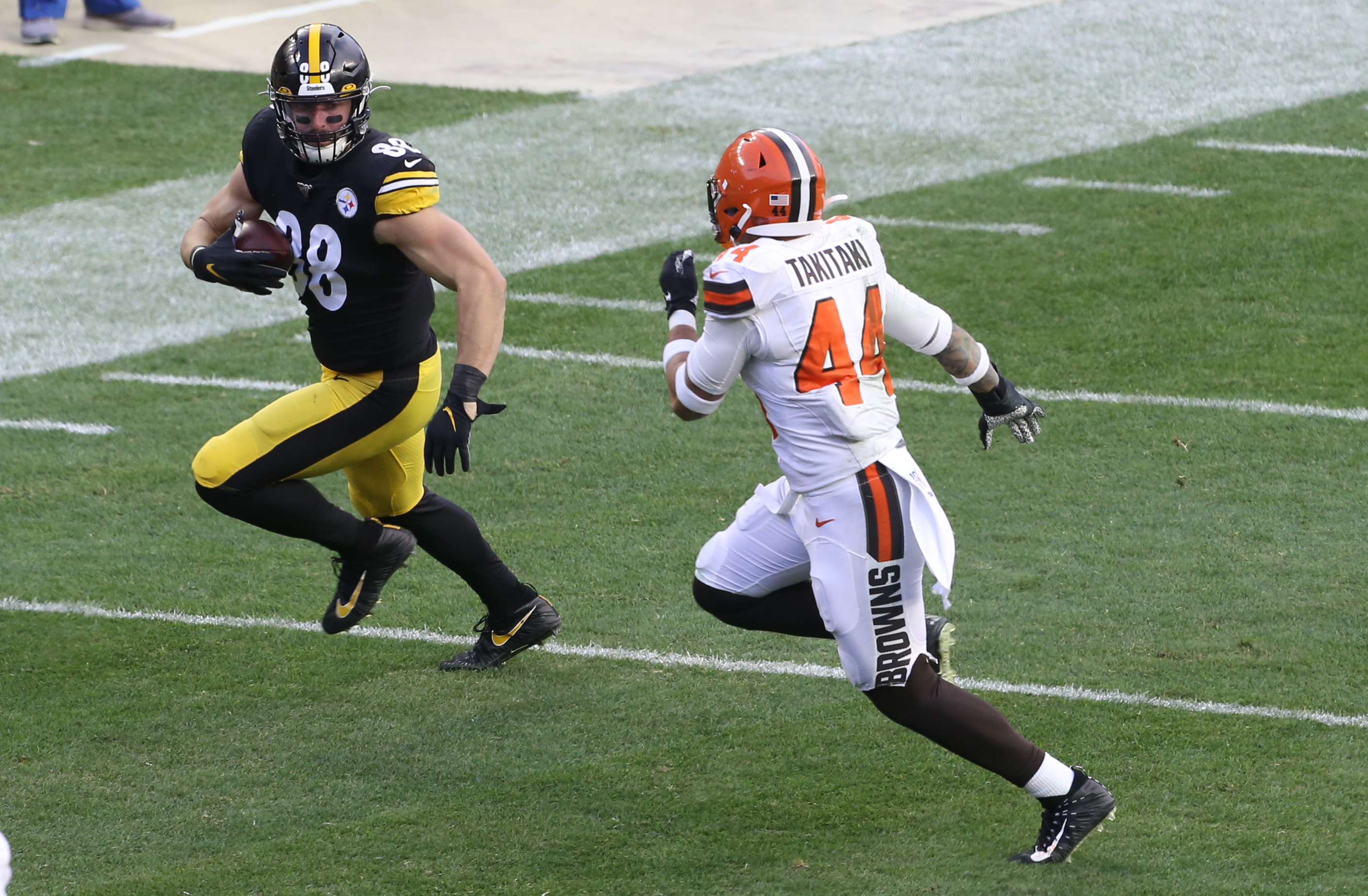 TE Nick Vannett Says His Time With Steelers Was Unpleasant