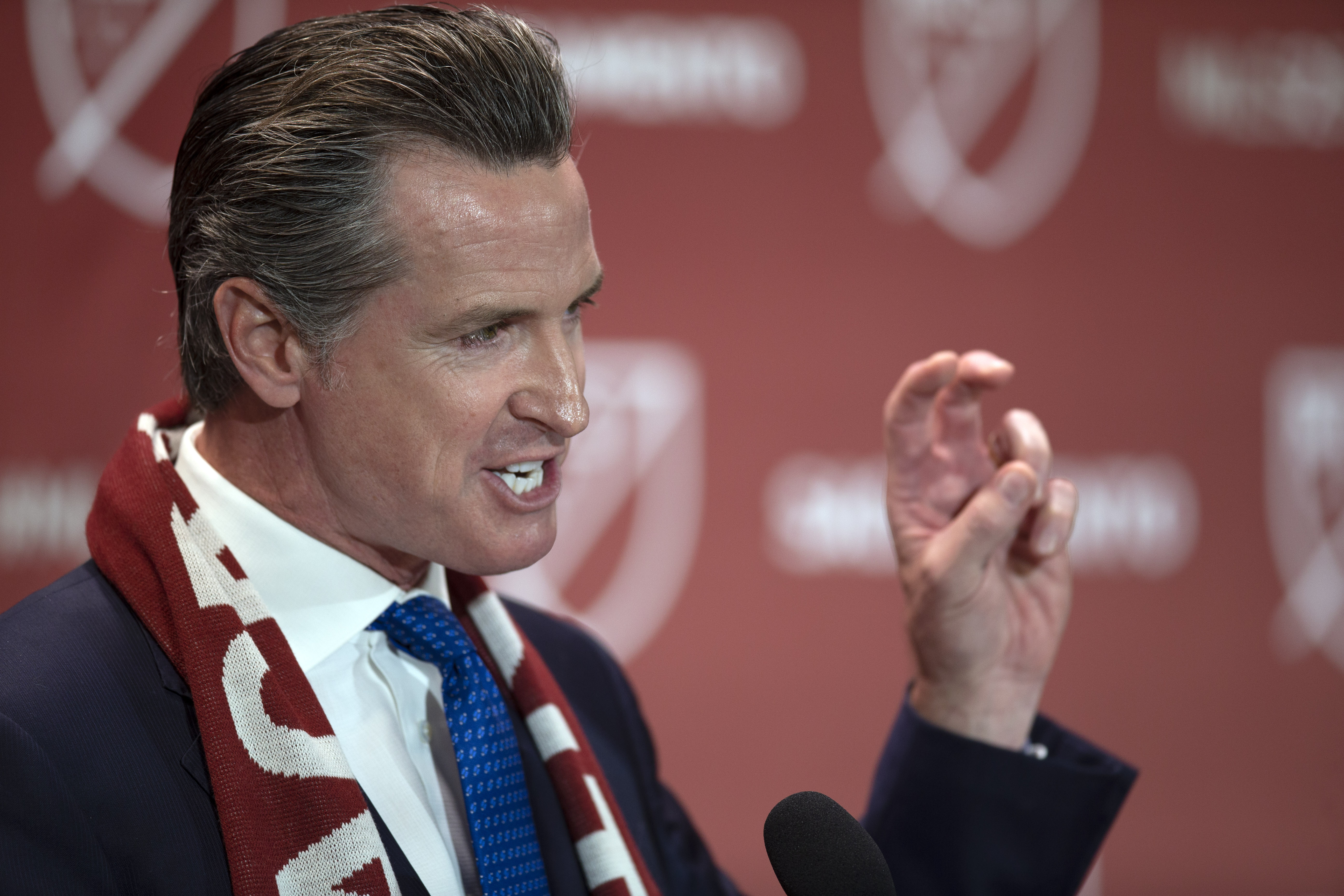 California Governor Gavin Newsom Does Not Expect Fans to Be at 2020 Football Games