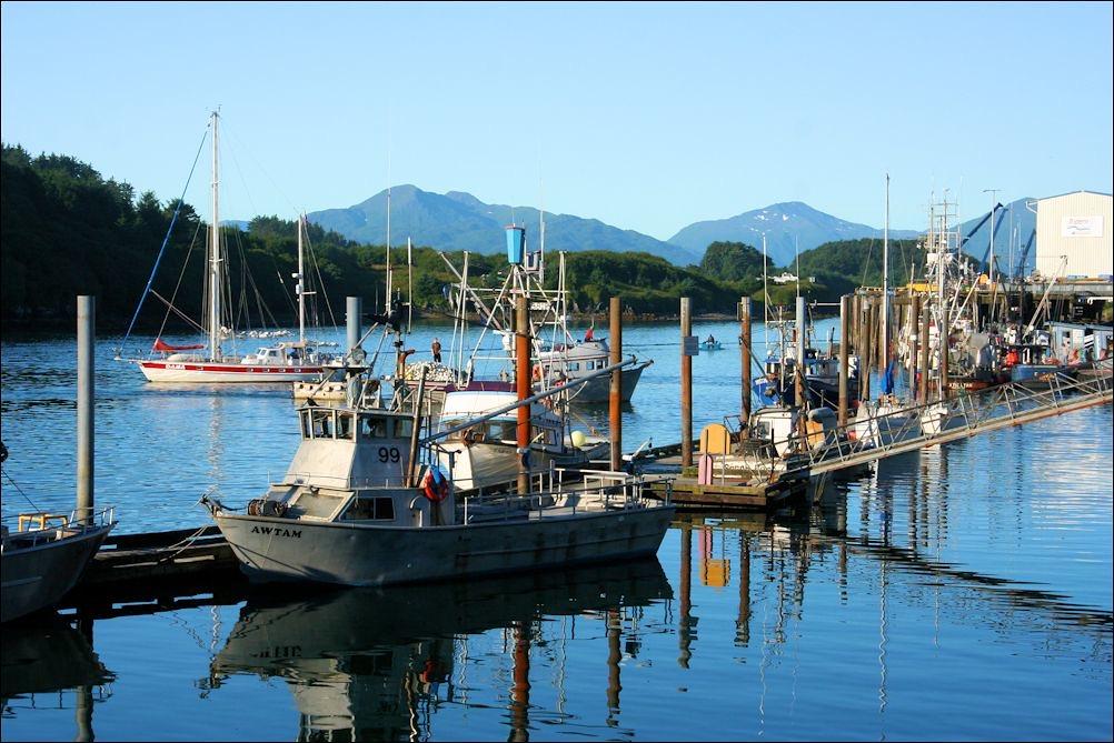 Fears about COVID-19 drop as Alaska salmon fishing season starts