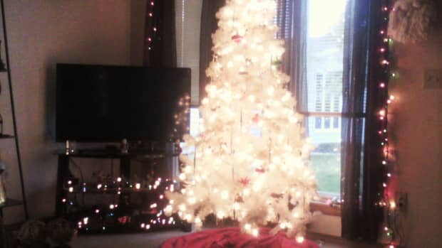 how-to-decorate-your-small-apartment-for-christmas