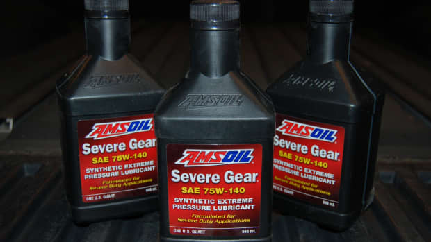 changing-gear-oil-in-a-nissan-titan-rear-differential