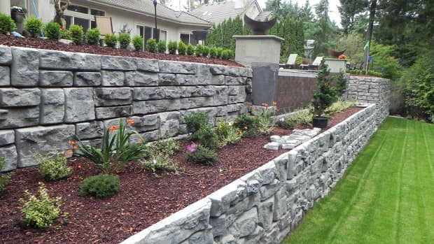 how-to-make-a-natural-stone-retaining-wall