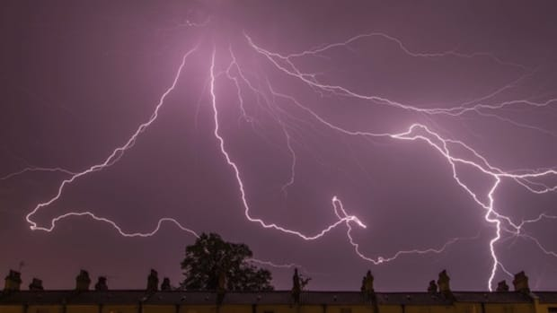 zeus-the-greek-god-of-sky-power-and-supremacy