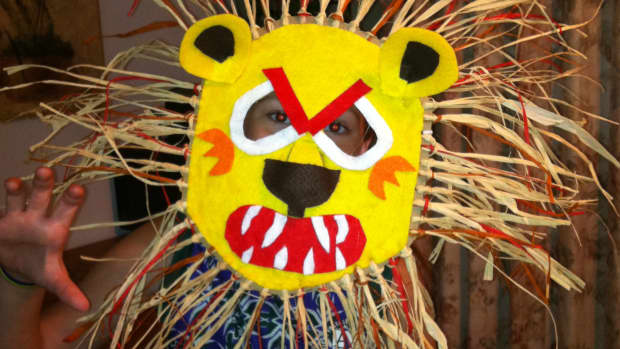 fun-family-crafts-making-an-african-lion-mask