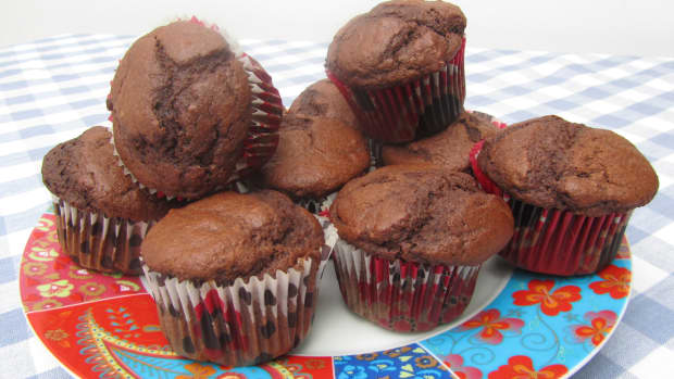 tasty-easy-natural-no-added-sugar-chocolate-muffins