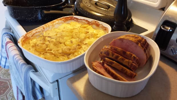 my-mothers-cooking-baked-ham-and-scalloped-potatoes