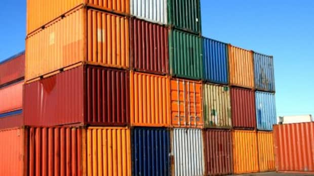 building-a-house-out-of-shipping-containers-the-pros-the-cons-and-the-why