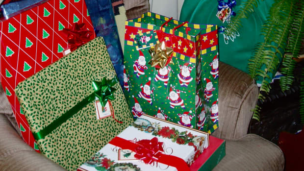 give-green-gifts-for-a-green-christmas