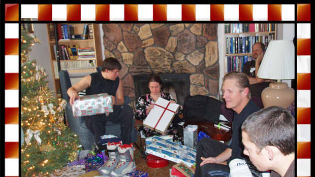 family-holiday-gatherings