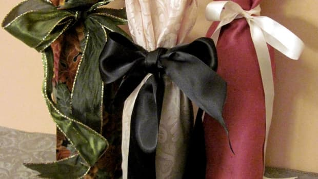 10-steps-to-making-a-fabric-wine-bag-holiday-gift-idea