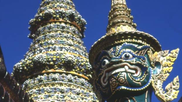 thai-buddhist-temple-art-and-architecture