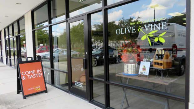 premier-shop-in-citycentre-houston-olive-and-vine