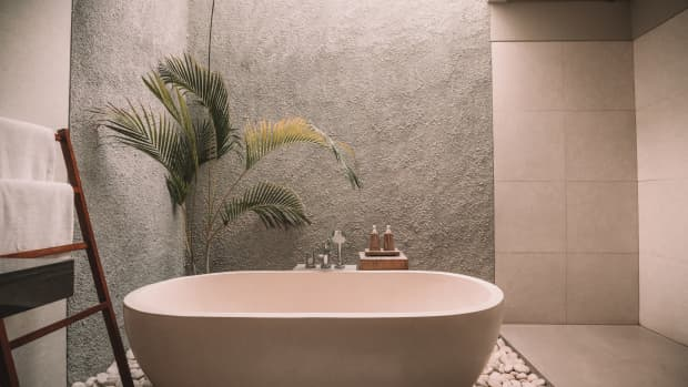 10-great-naturally-soothing-bath-recipes