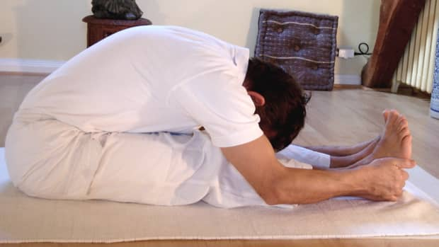 how-to-improve-flexibility-of-tight-hamstrings-with-yoga