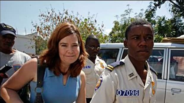 hillary-violated-state-department-policy-to-get-convicted-child-traffickers-out-of-haiti