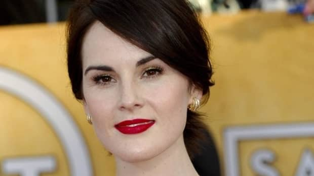 makeup-for-brunettes-with-brown-eyes-and-pale-skin