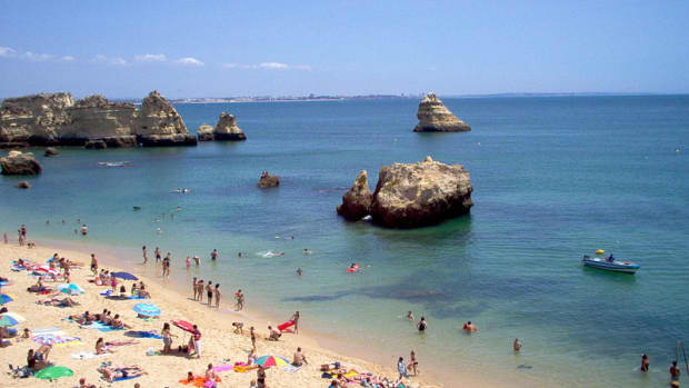 visit-portugal-road-trip-itinerary-for-south-of-lisbon