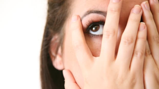 why-do-i-pick-at-my-skin-dermatillomania-causes-and-symptoms