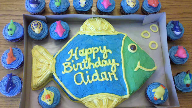cake-decorating-ideas-for-an-ocean-themed-party